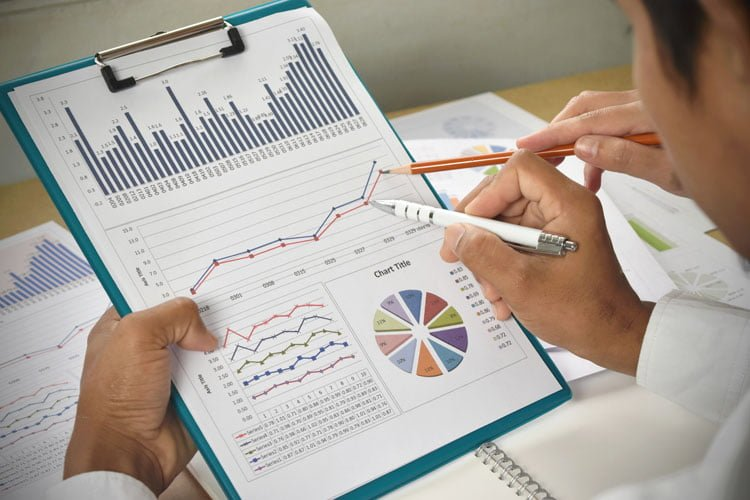 Crafting Compelling and Engaging Management Reports