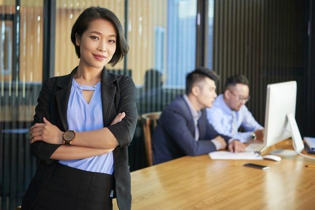 confident asian businesswoman portrait 274689 13865