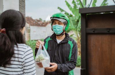 delivery man wear face mask during delivering food 8595 2752